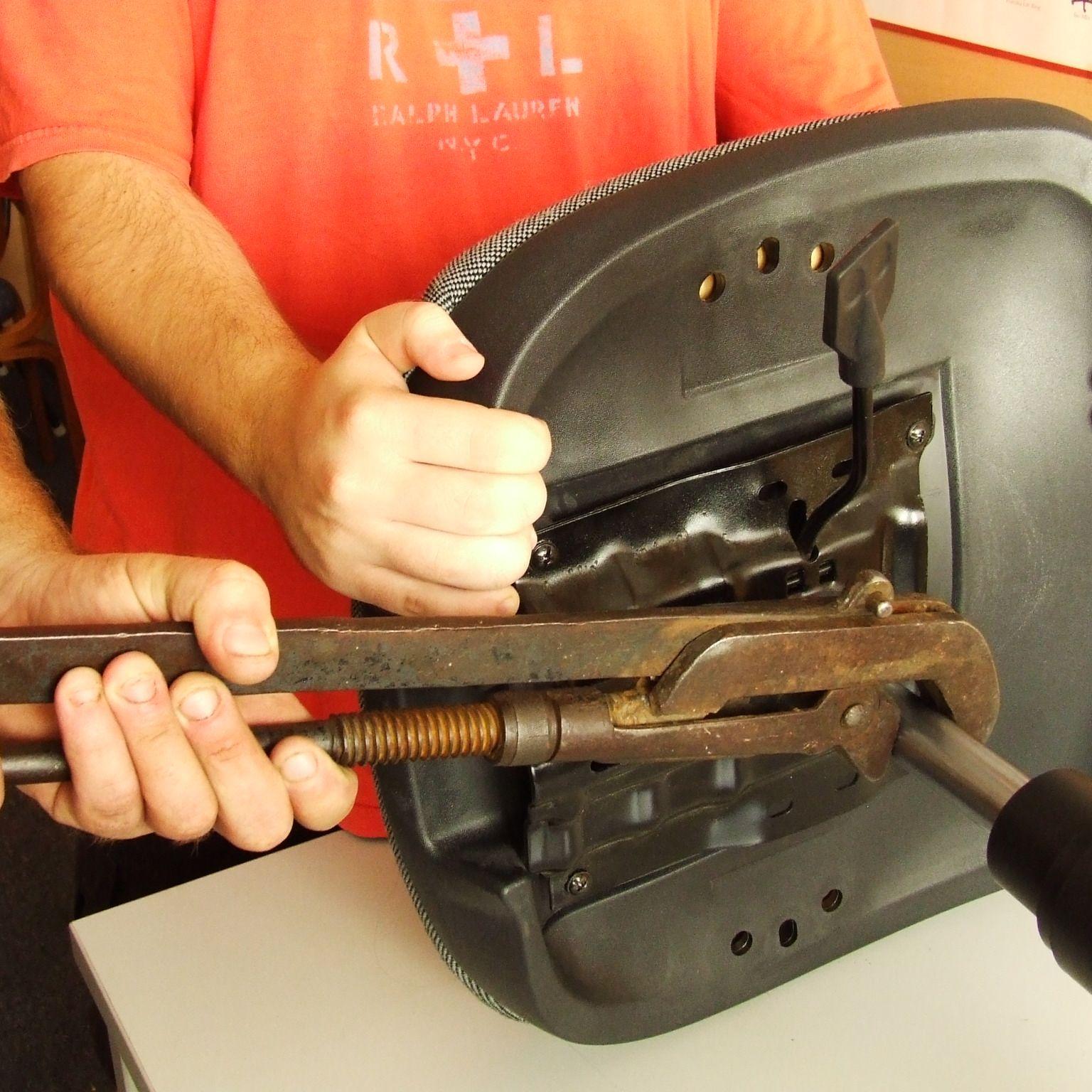Gázlift, gázteleszkóp kiszerelése - fázisfotó székjavításhoz